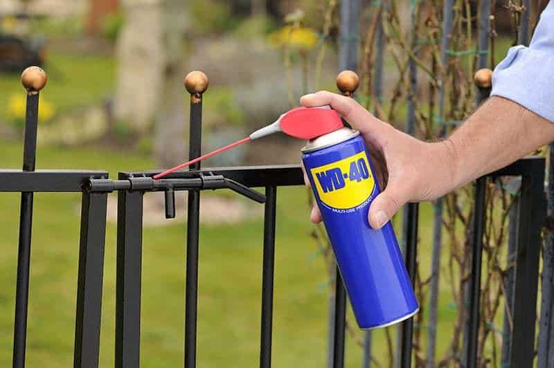 Como realizar uma boa manutenção de portas e portões