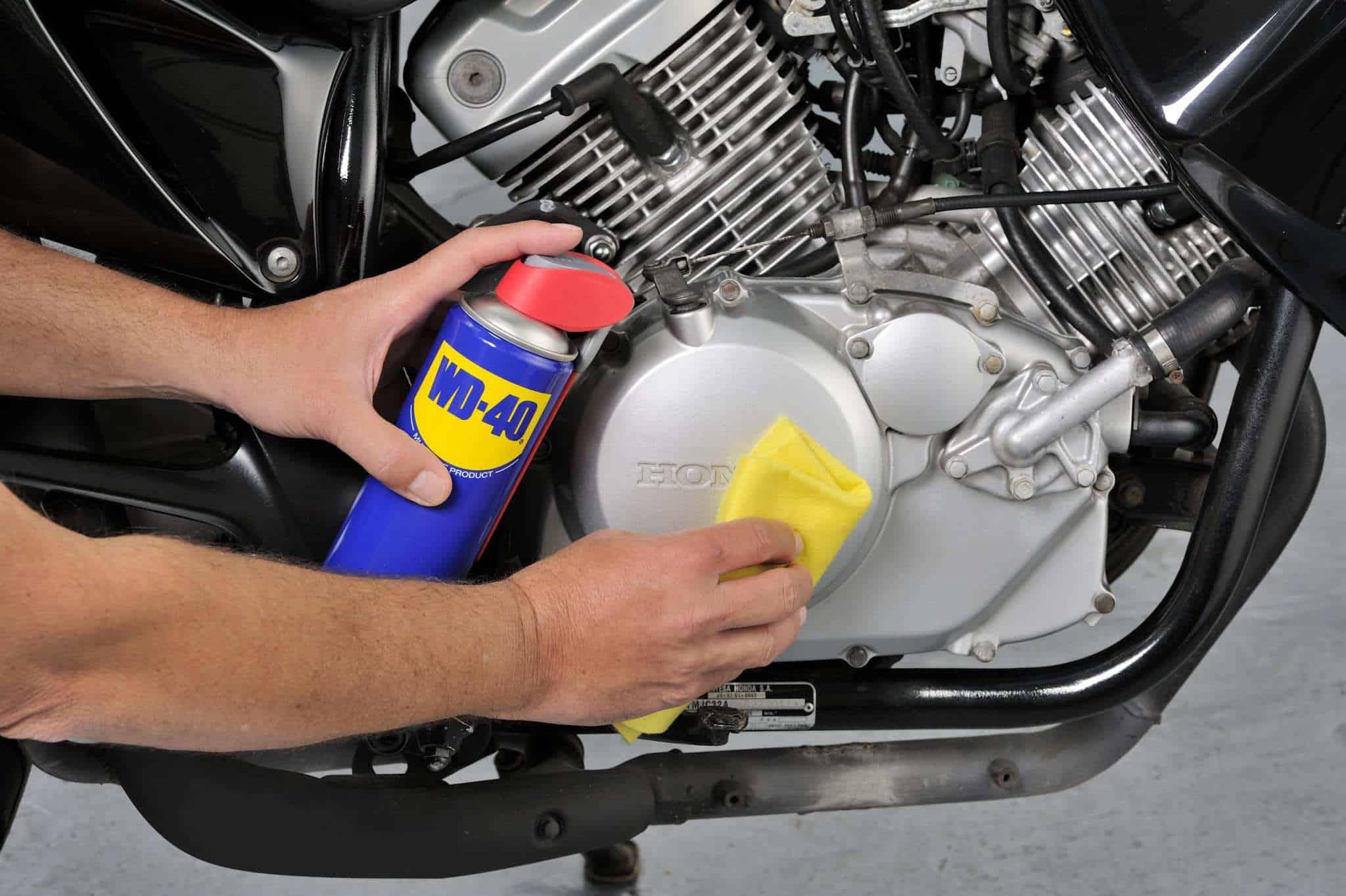 94 conselhos para realizar a lavagem do motor da moto