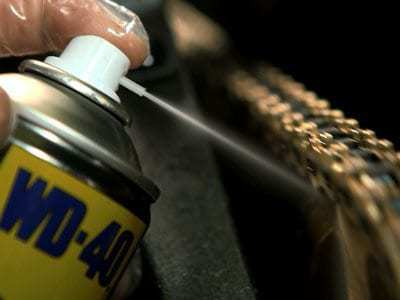 motorbike chain lube usage shot1