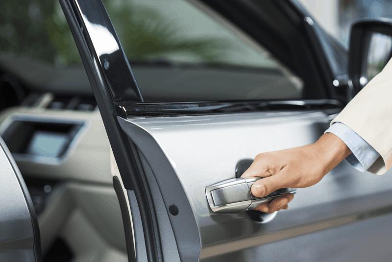eliminar o ranger das portas do carro com WD-40