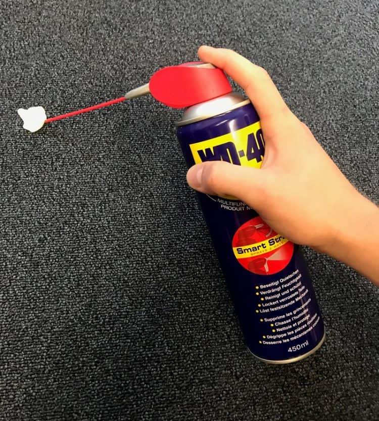 Limpeza de carros: como tirar pastilha elástica do tapete
