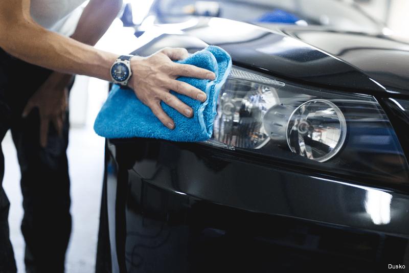 Limpar os farois do carro com WD-40