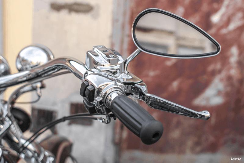 Substituir os punhos do guiador da moto - WD-40