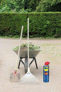 Cum se realizează curățarea uneltelor de gradină