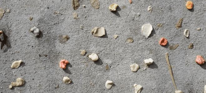 indepartarea gumei de pe suprafetele de beton