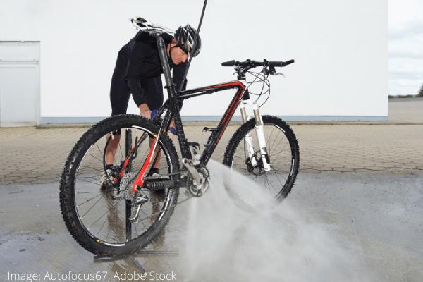spalarea bicicletei