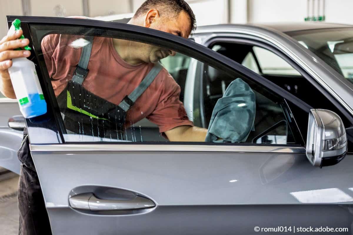 curatarea geamurilor de la masina