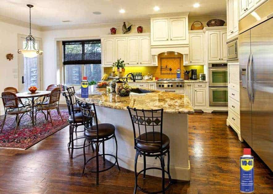 Средство для уборки дома. Что лучше использовать?