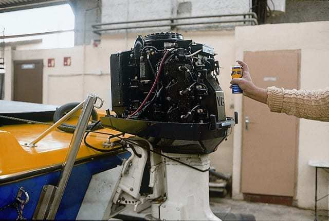 WD-40 защитит от воздействия морской воды