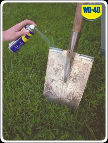 WD-40 спрей для грязной лопаты