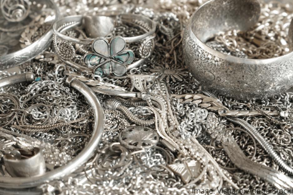 Ako čisteť strieborné šperky