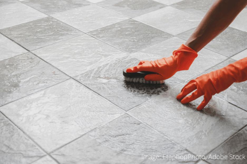 Ako odstrániť žuvačku z betónu