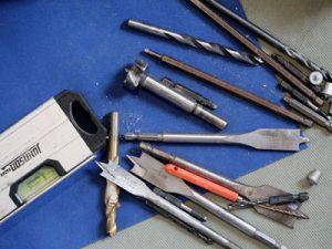 Hur man gör rent hand- och el-verktyg med WD-40 specialavfettare