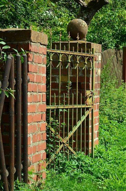 Enkla tips och tricks för att ta hand om er trädgårdsgrind i metall