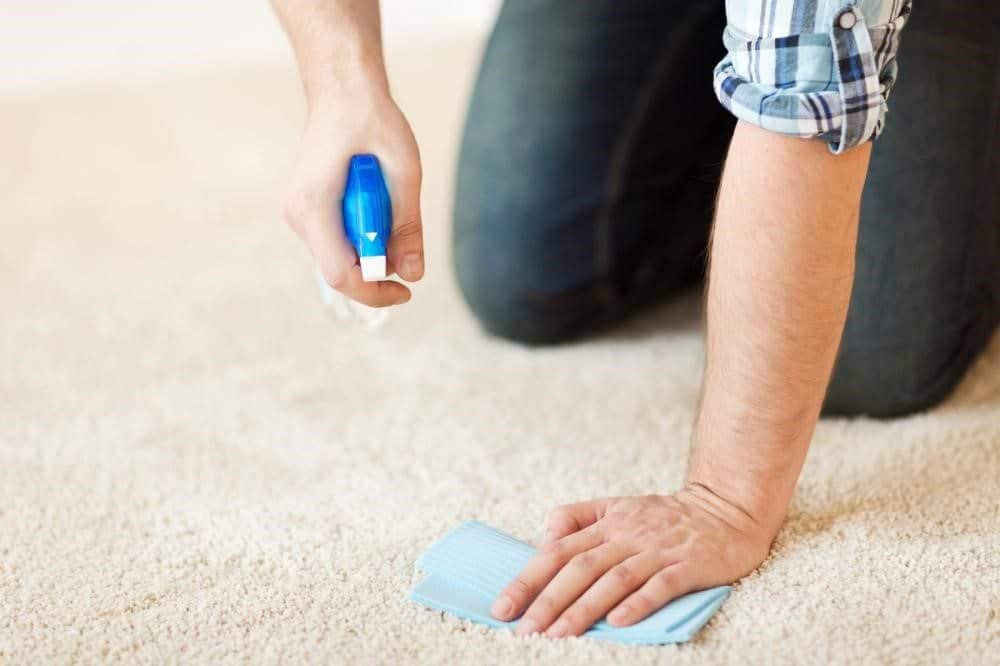 ta bort tuggummi från matta