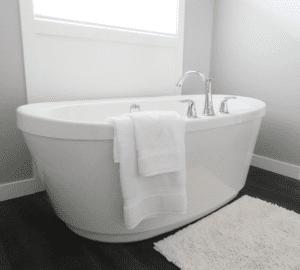 Tar bort rostfläckar från badkar