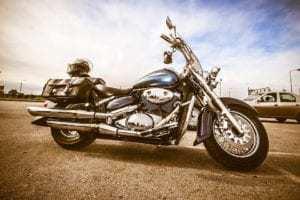 Att uppnå en glänsande motorcykelfinish för en motorcyklist