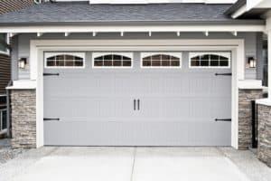 Varför du behöver lite garageportsfett för ditt garage
