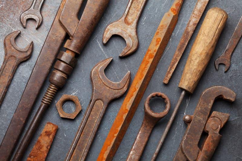 rengör rostiga verktyg