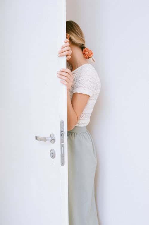 Hur man får bort gnisslande dörrar